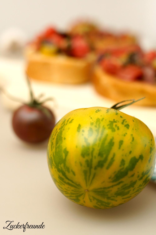 bruschetta mit frischen tomaten lieberbacken. Black Bedroom Furniture Sets. Home Design Ideas
