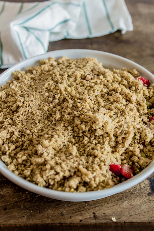 Erdbeer Rhabarber Crumble-4