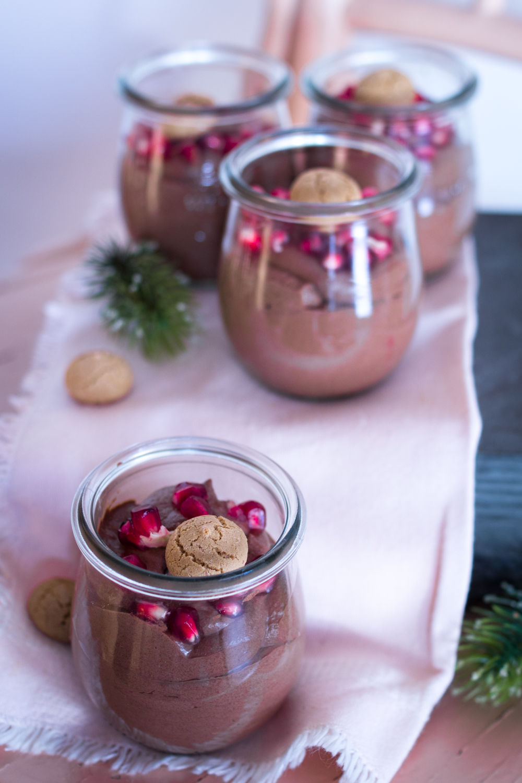 weihnachtliches-schoko-dessert-im-glas-6