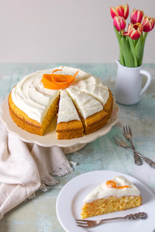 Karottenkuchen mit Frischkäse-Creme
